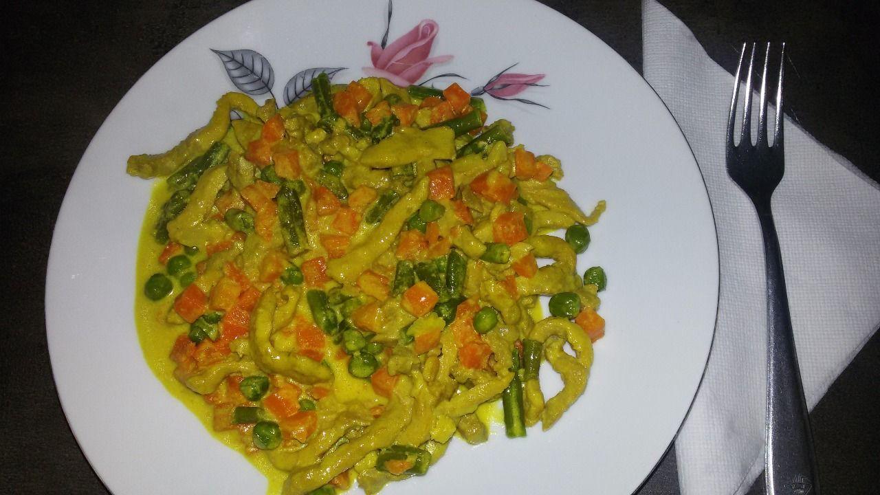 Maso se zeleninou a smetanou